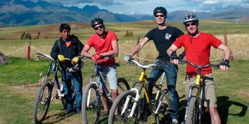 Tour ciclismo Maras y Moray en Salineras