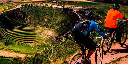 Ciclismo en las Terrazas de Maras